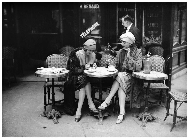 Maurice-louisc2a0branger-cafe-terrace-paris-about-1925