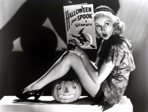 Betty Grable 040 Halloween